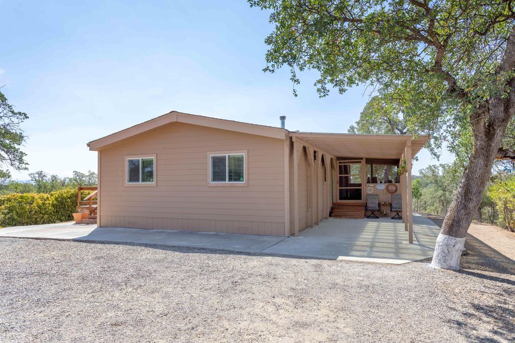 18225 Indian Camp Rd, Cottonwood, CA 96022