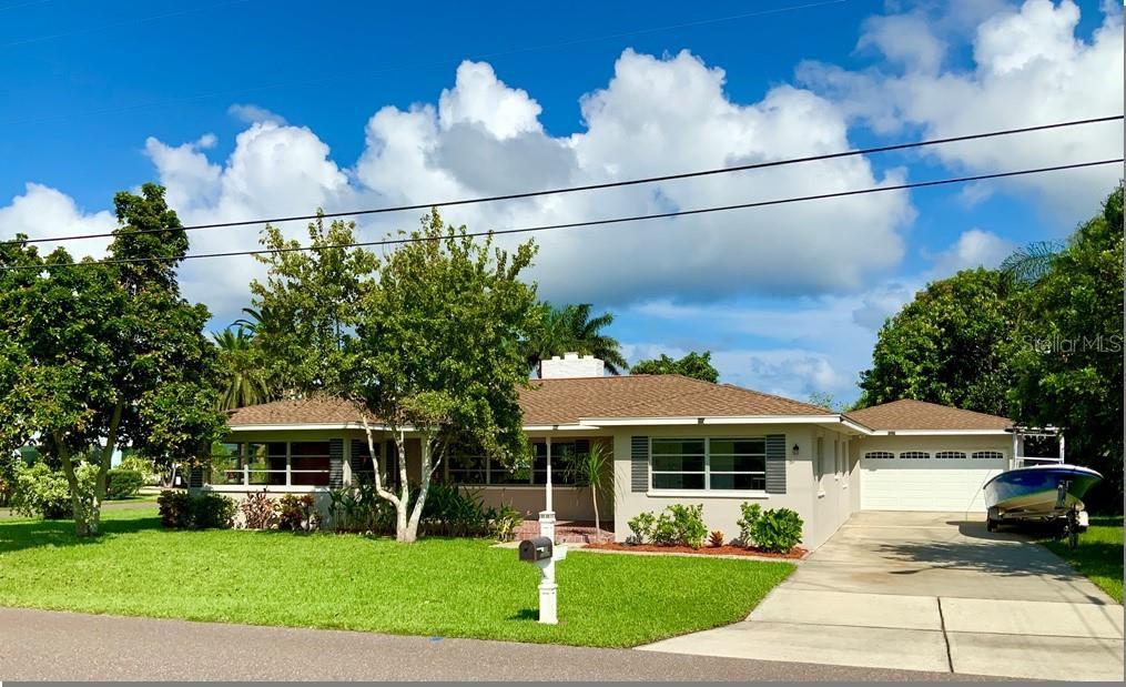 100 159th Ave, Redington Beach, FL 33708