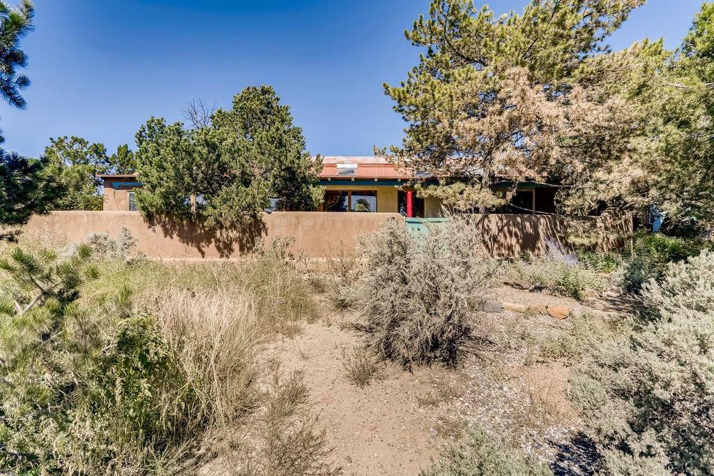 6 Frasco Pl, Santa Fe, NM 87508