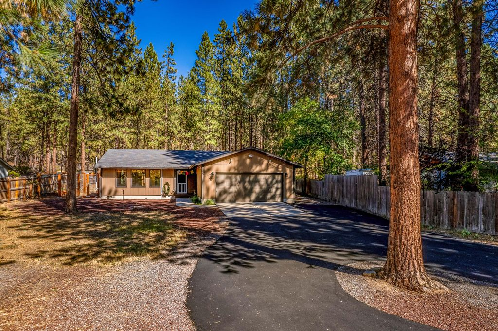 60154 Agate Rd, Bend, OR 97702