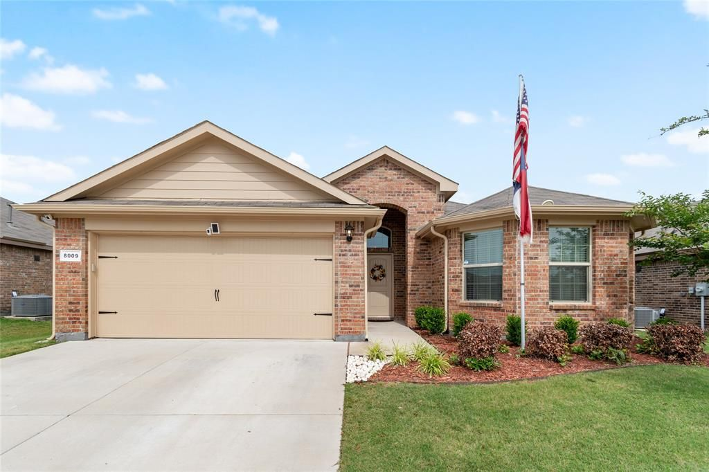 8009 Ballater Dr, Fort Worth, TX 76123