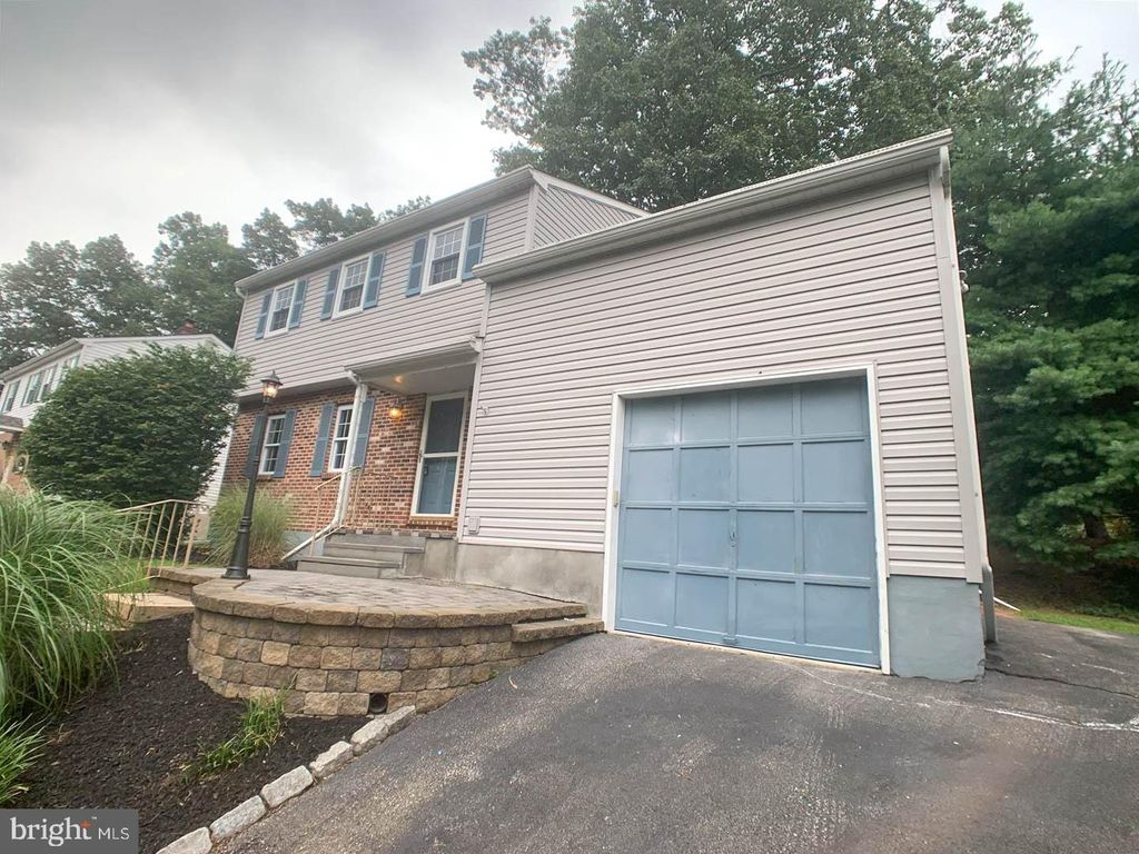 49 Winding Way, Upper Chichester, PA 19061
