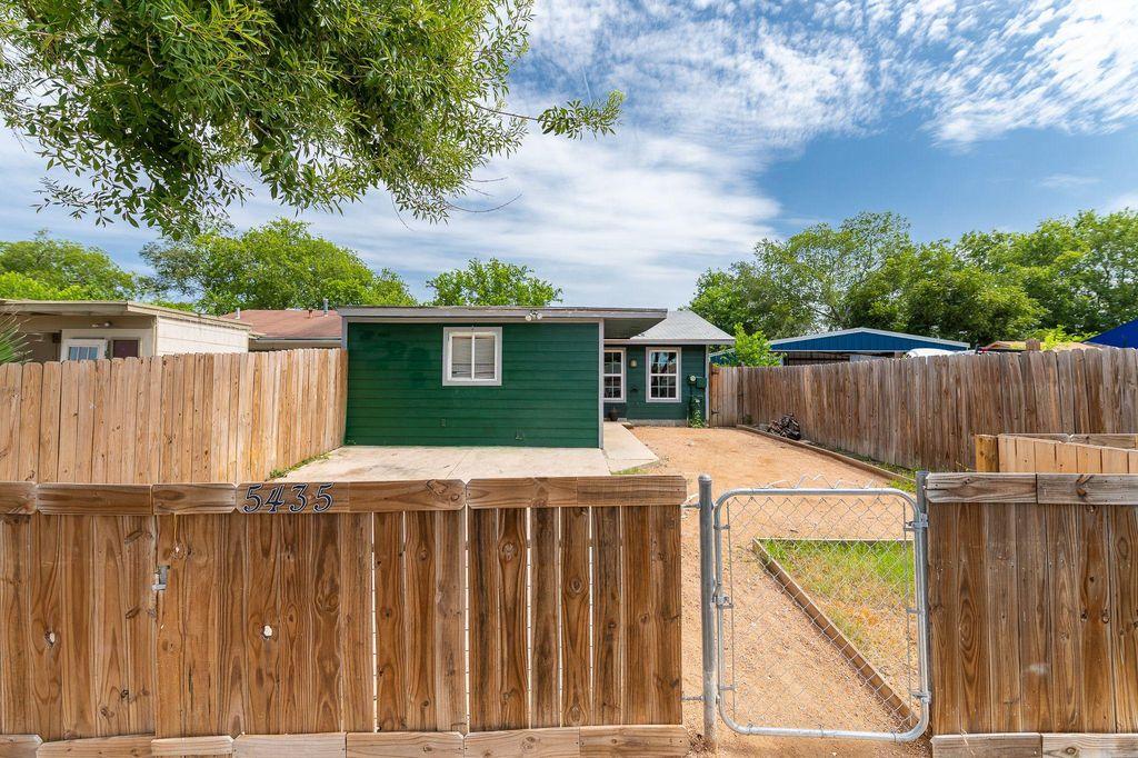 5435 Little Creek St, San Antonio, TX 78242
