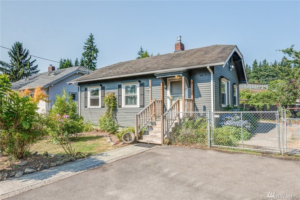 5828 Oakes Ave, Everett, WA 98203