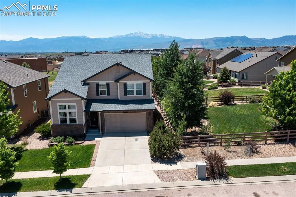 9320 Sky King Dr, Colorado Springs, CO 80924