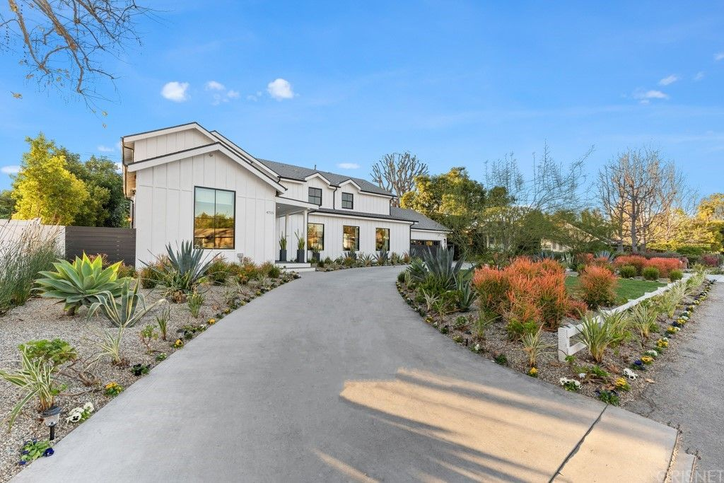 4715 Arcola Ave, North Hollywood, CA 91602