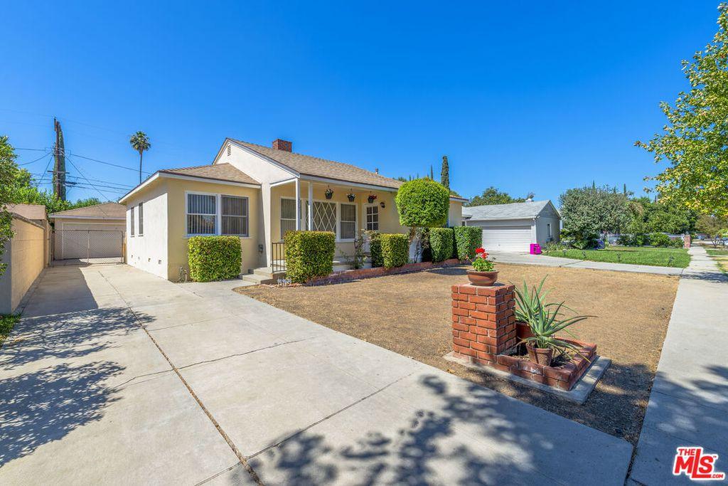 6701 Capps Ave, Reseda, CA 91335