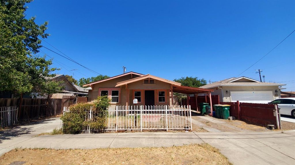 2210 Peralta Ave, Stockton, CA 95206