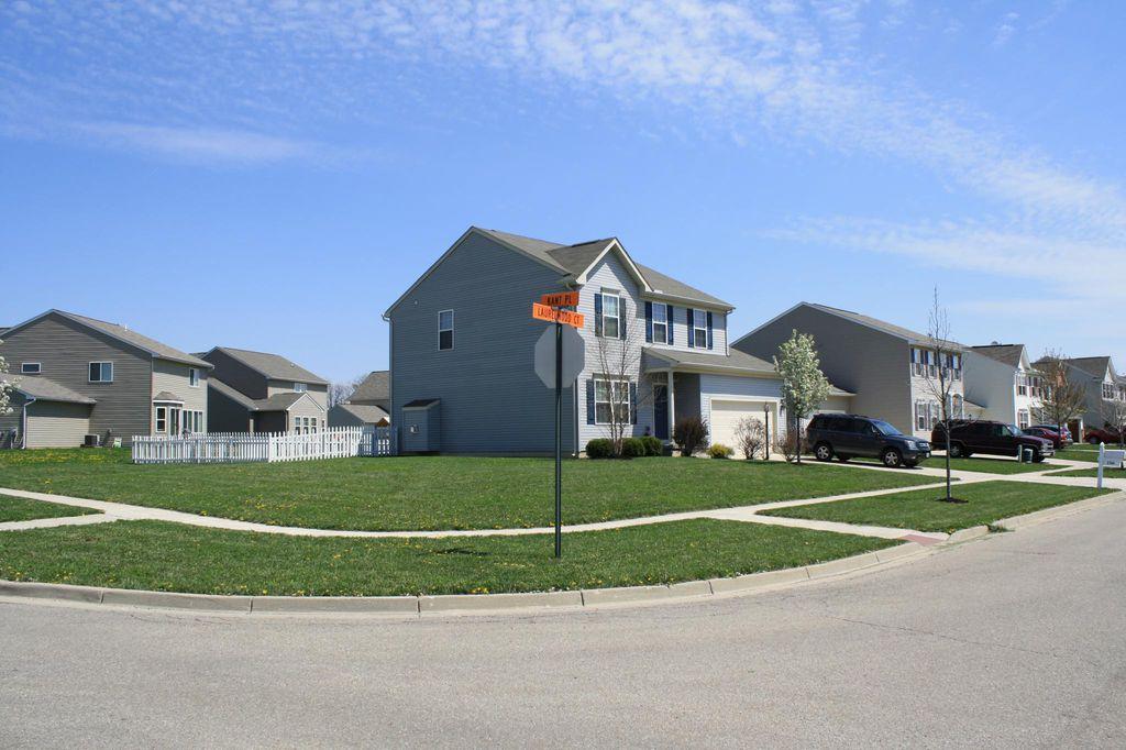 2764 Laurelwood Ct, Dayton, OH 45431
