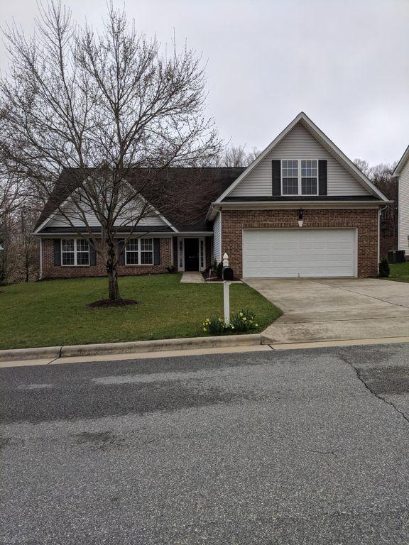 4405 Camden Ridge Dr, Greensboro, NC 27410