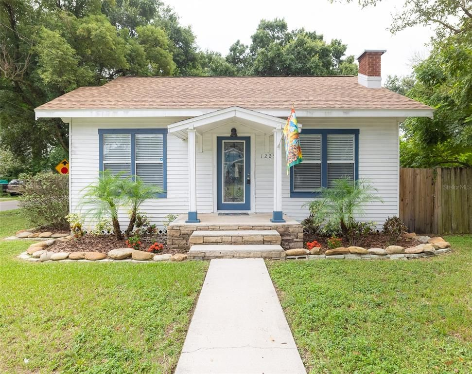 1225 E Giddens Ave, Tampa, FL 33603