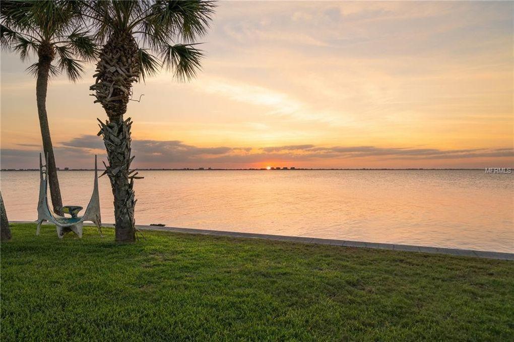 300 S Shore Dr, Sarasota, FL 34234