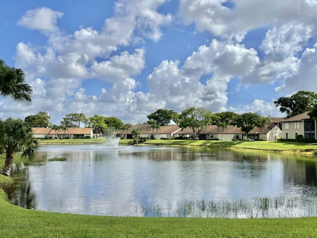 721 Sunny Pine Way #E1, West Palm Beach, FL 33415