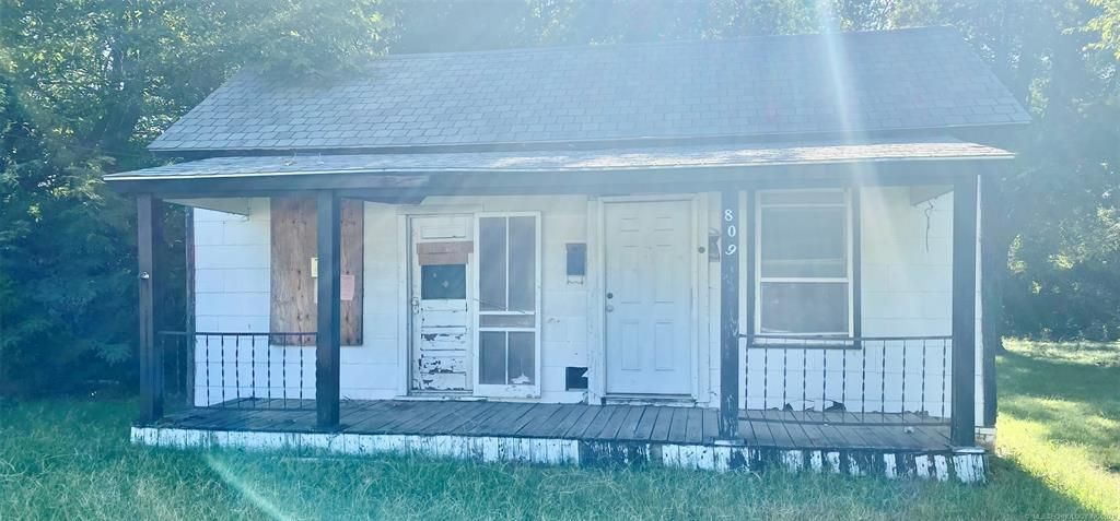 809 H St NW, Ardmore, OK 73401