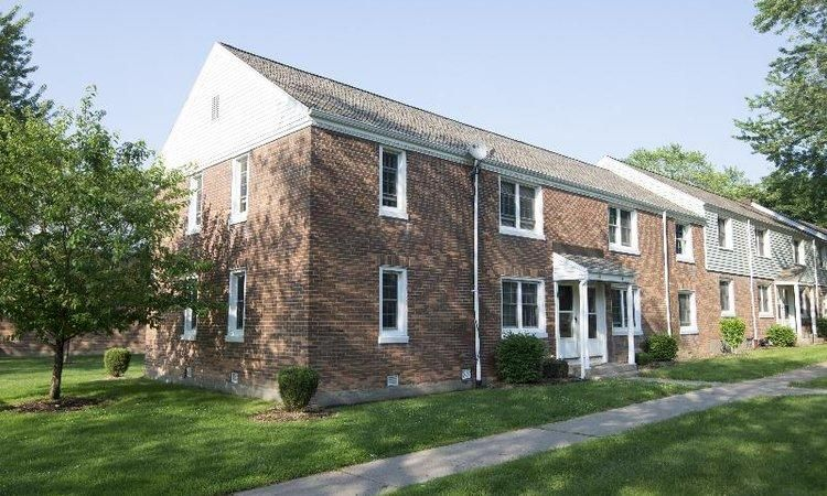 65 Waring Rd, Rochester, NY 14609