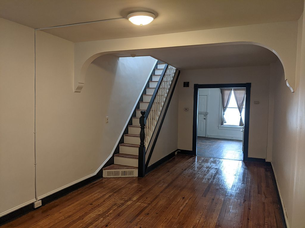 718 N Curley St, Baltimore, MD 21205