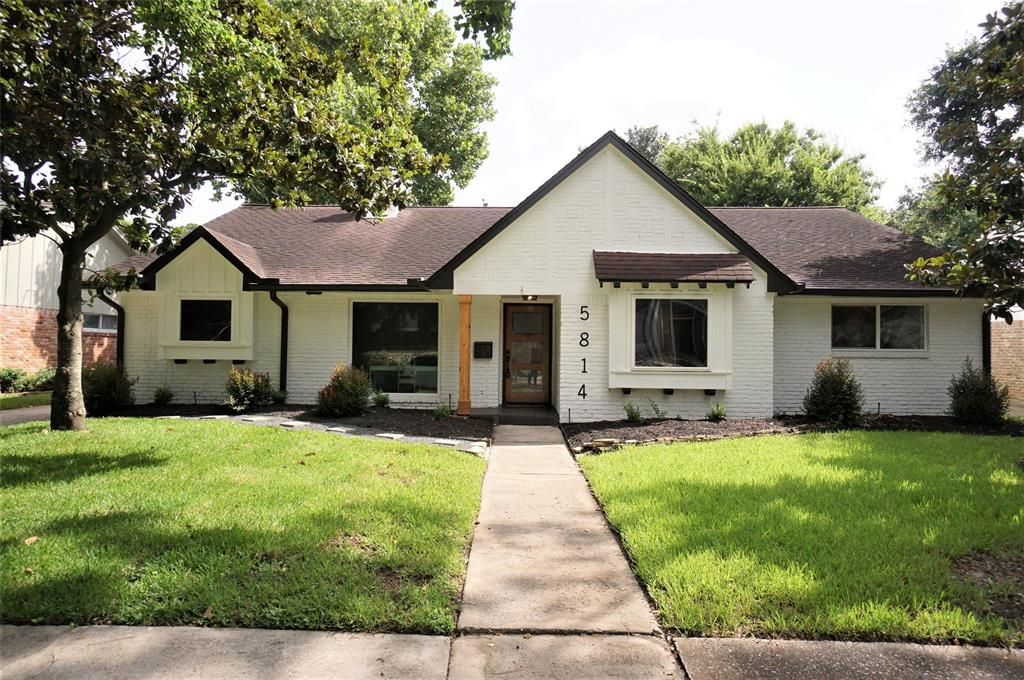 5814 Braesheather Dr, Houston, TX 77096