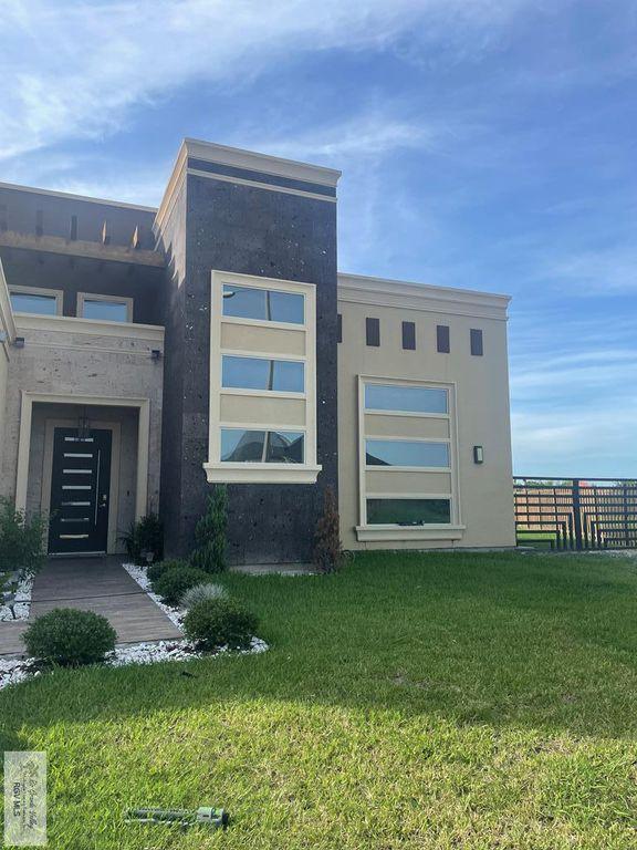 6842 Bonham Rd, Brownsville, TX 78521
