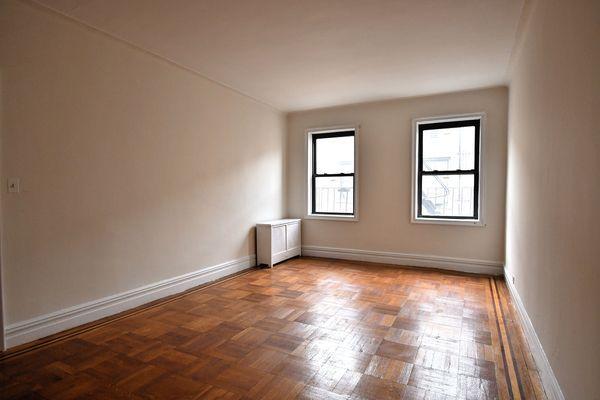 655 Pelham Pkwy N #6, Bronx, NY 10467