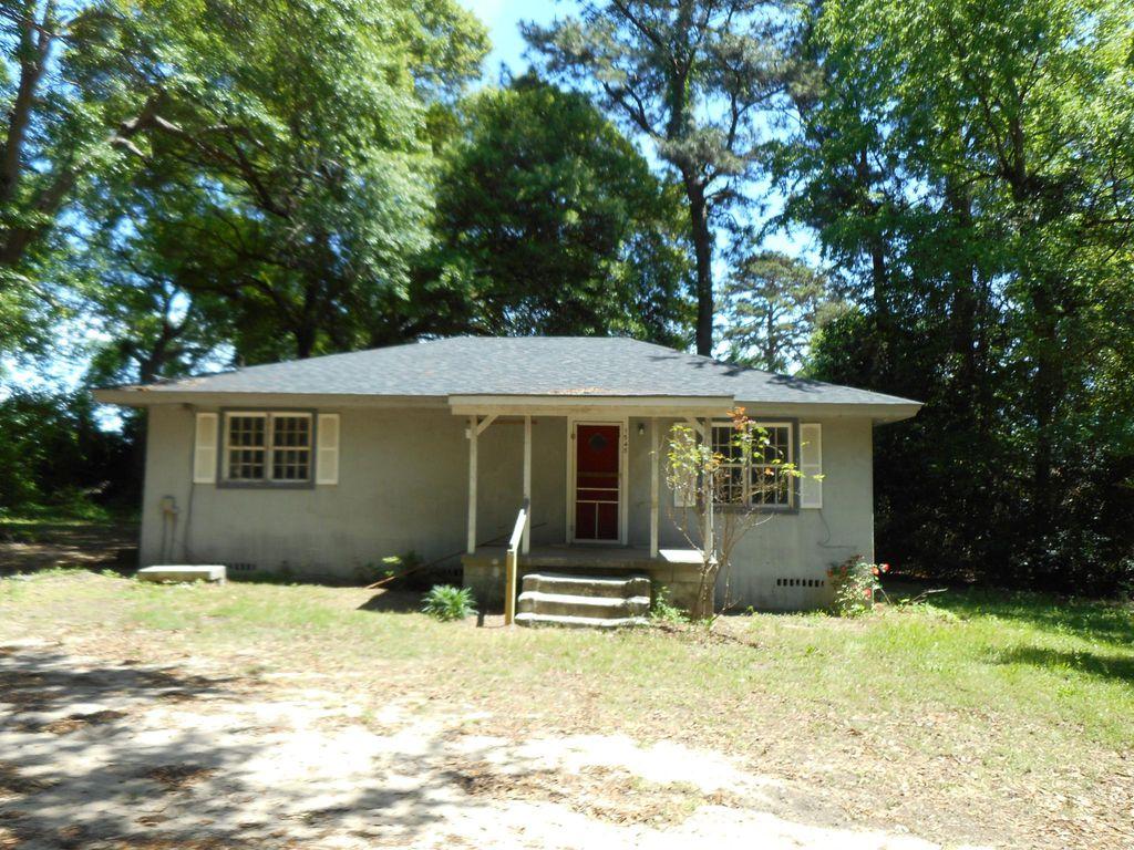 1545 Crape Myrtle Cir, Sumter, SC 29154