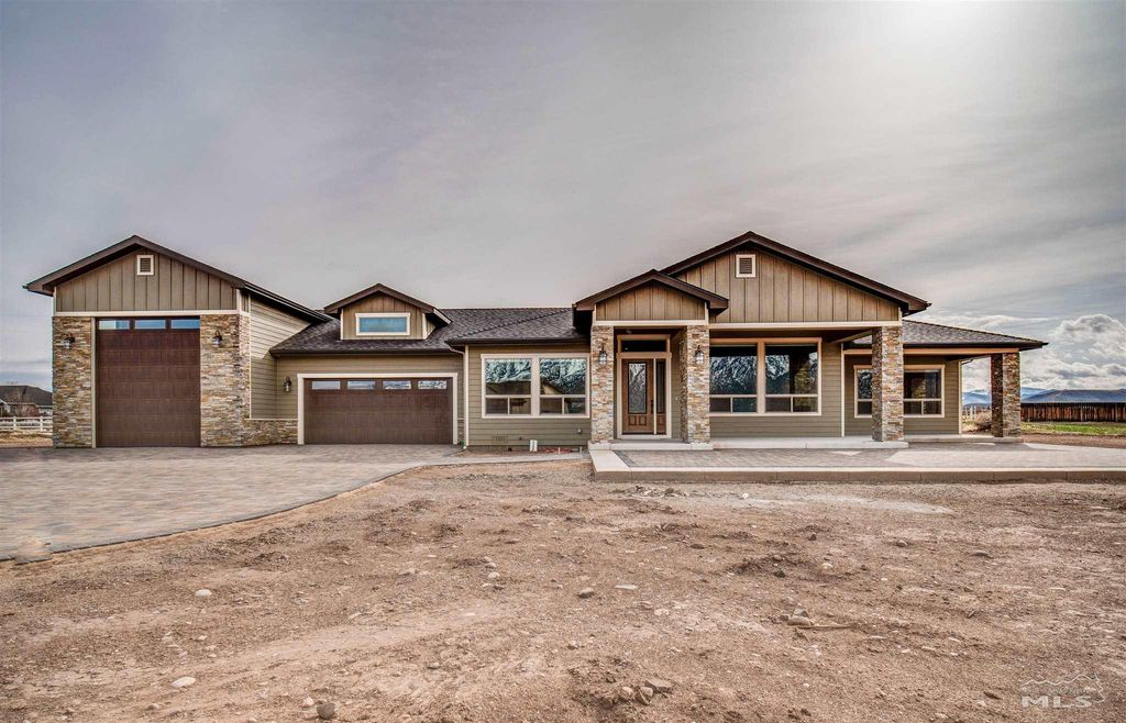 20 W Sierra View Dr, Smith Valley, NV 89430