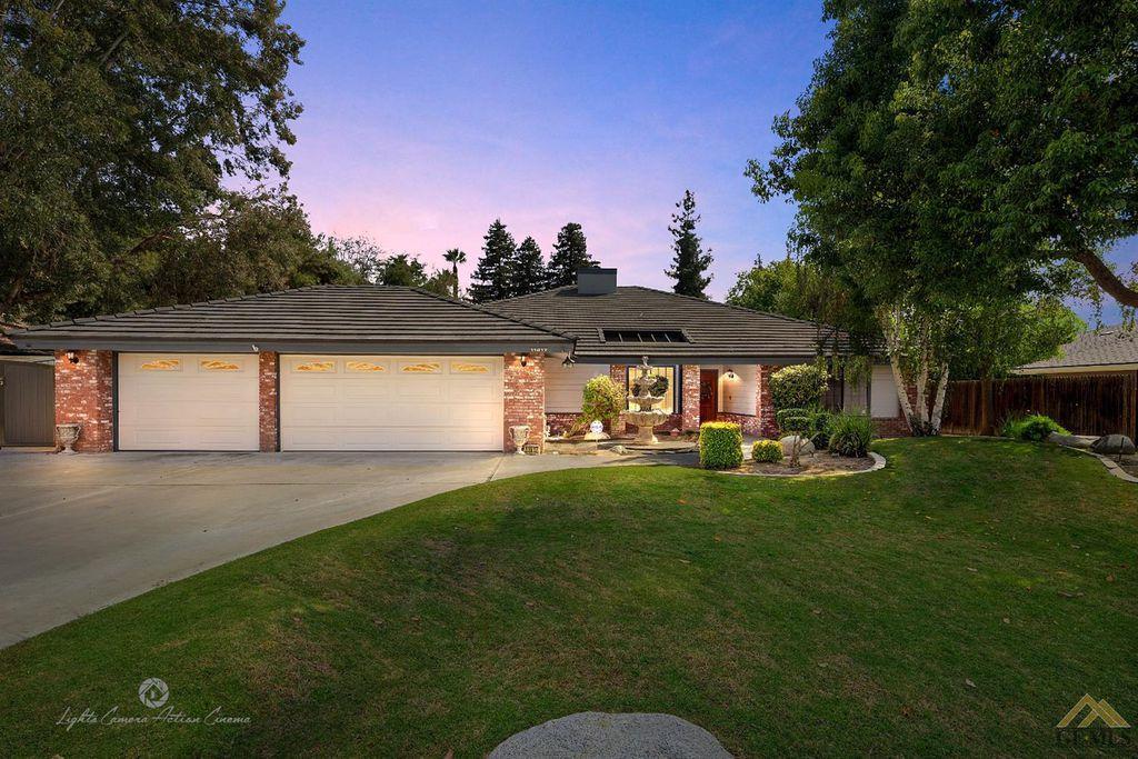 11917 April Ann Ave, Bakersfield, CA 93312