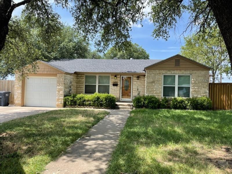 3924 Desert Ridge Dr, Fort Worth, TX 76116