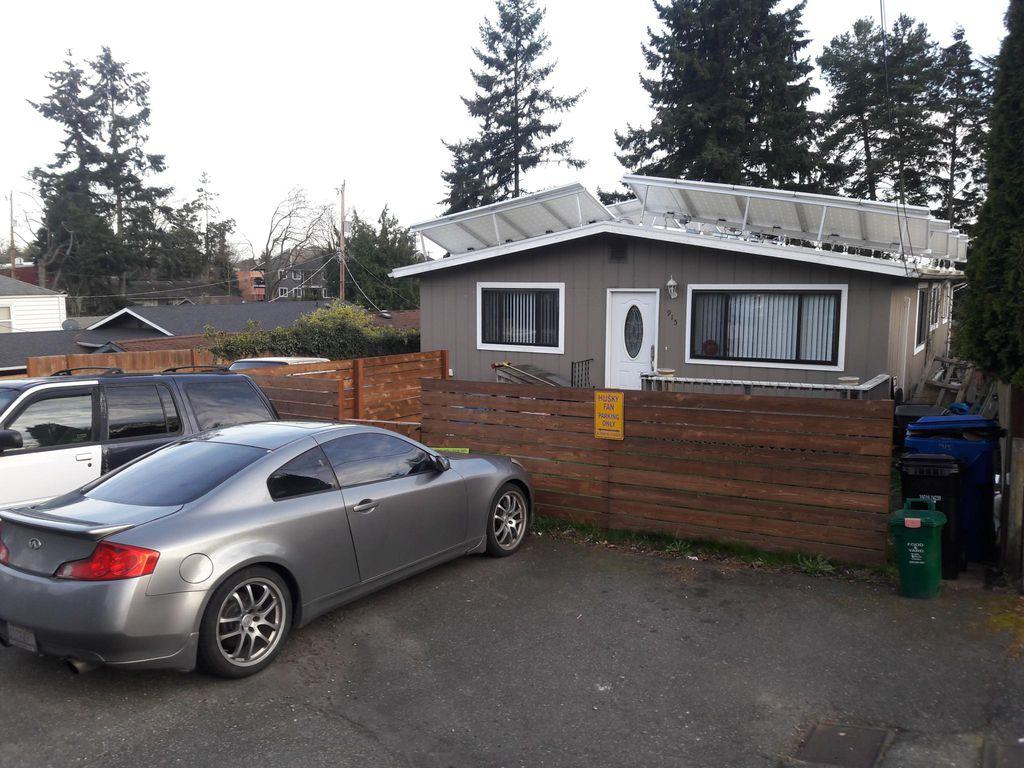 915 N 102nd St, Seattle, WA 98133