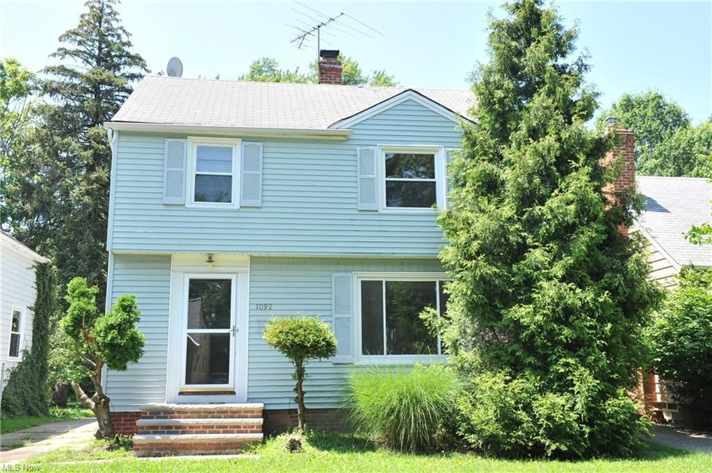 1098 Winston Rd, South Euclid, OH 44121
