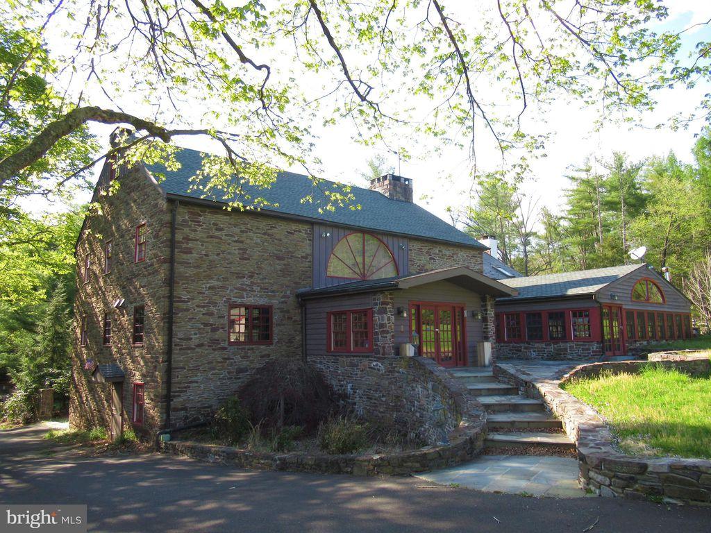 629 Headquarters Rd, Ottsville, PA 18942