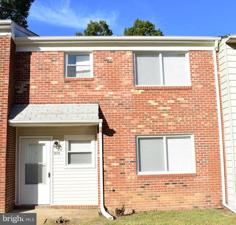 826 Sledgehammer Dr, Fredericksburg, VA 22405