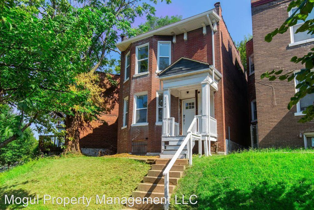 2139 Stansbury St, Saint Louis, MO 63118