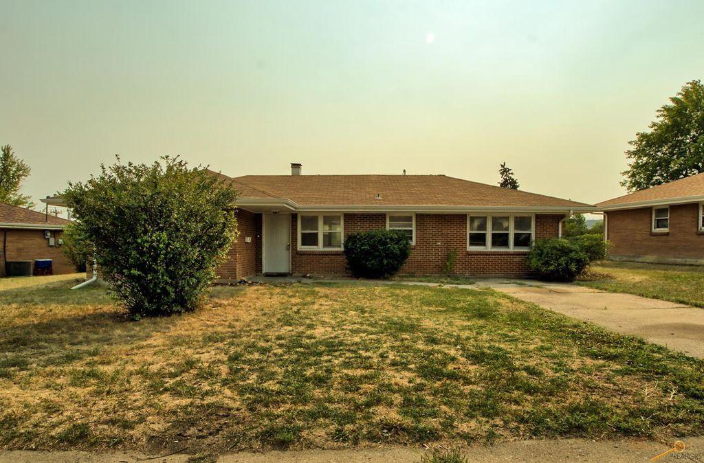 141 Belleview Dr, Rapid City, SD 57701