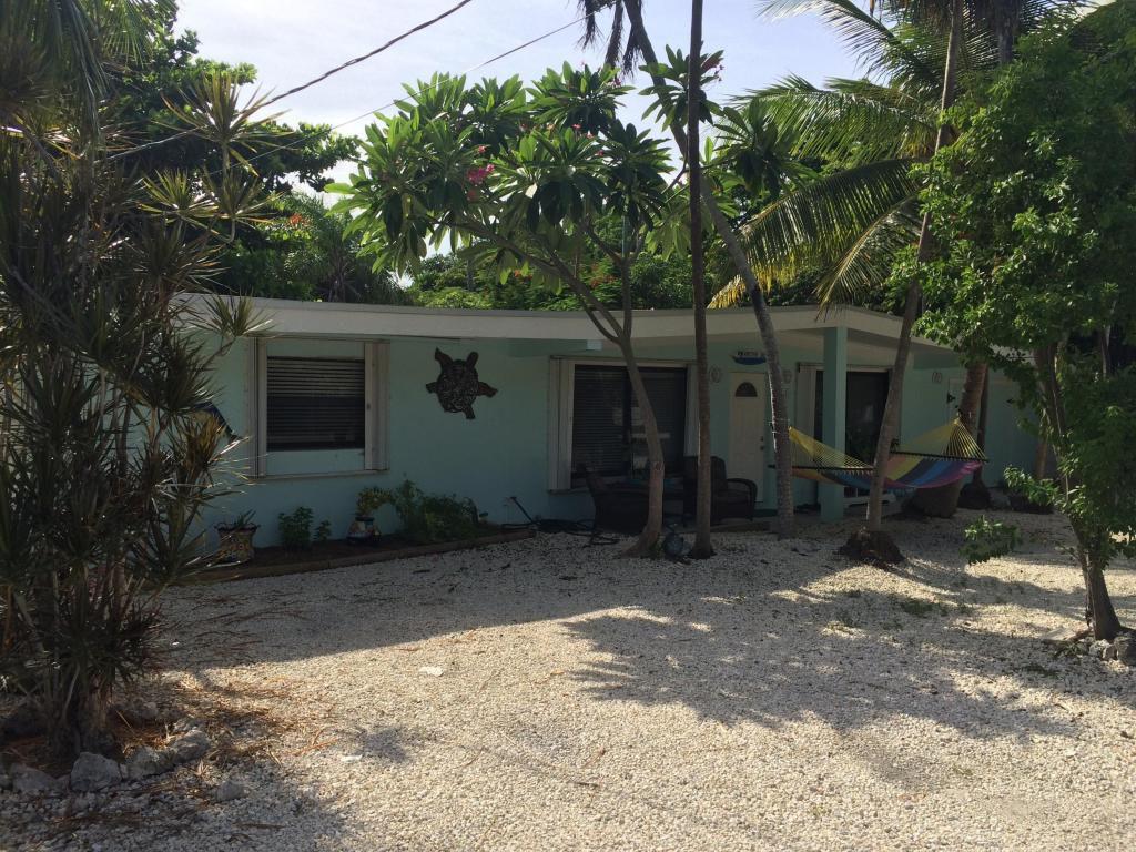211 Cuba Rd, Tavernier, FL 33070