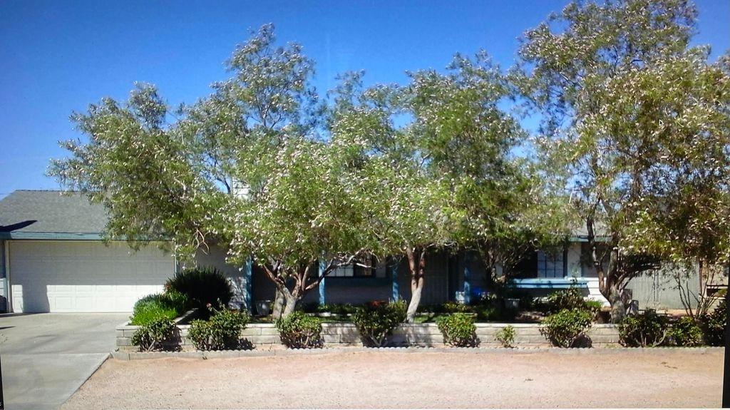 21730 Hacienda Blvd, California City, CA 93505