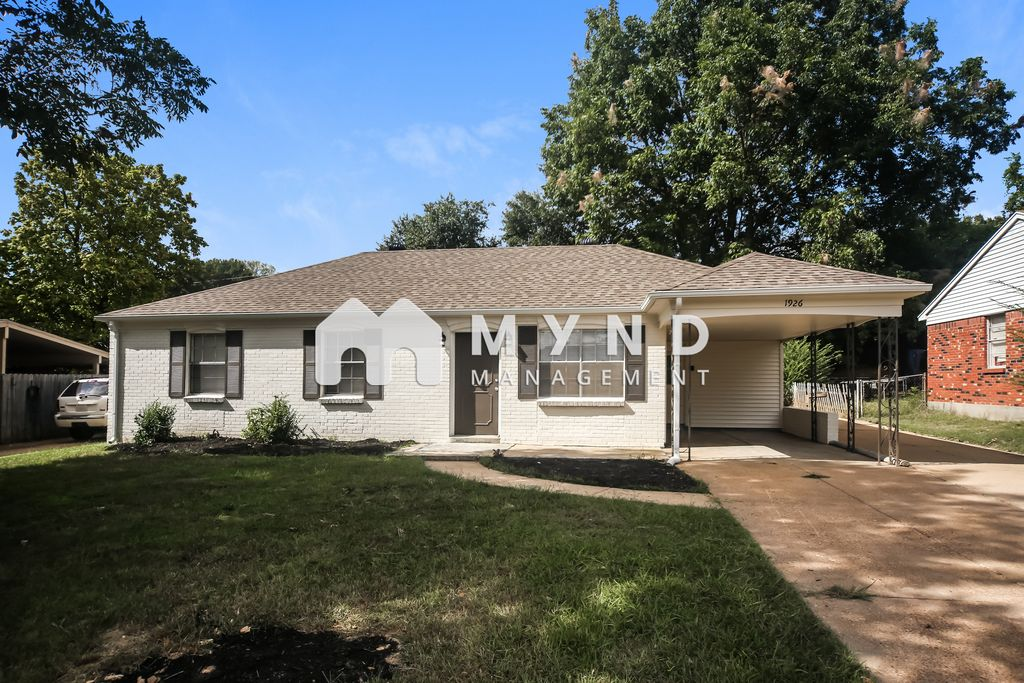 1926 Colonial Hills Dr, Southaven, MS 38671