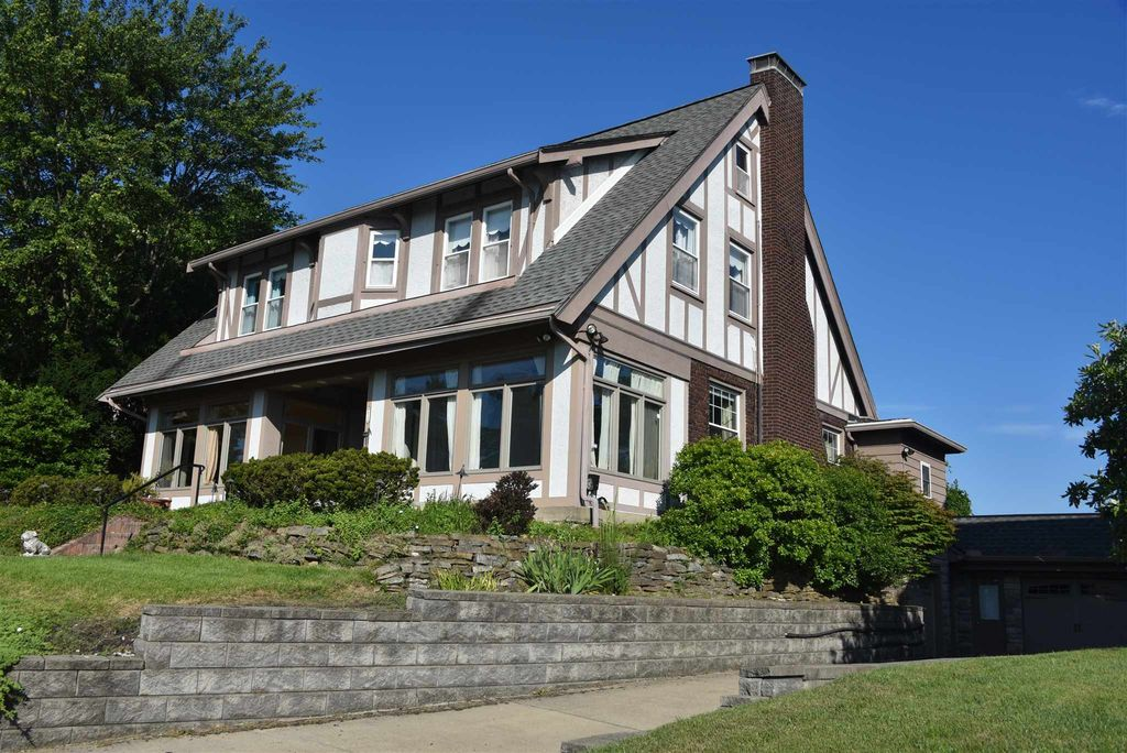 259 Riverside Pkwy, Fort Thomas, KY 41075