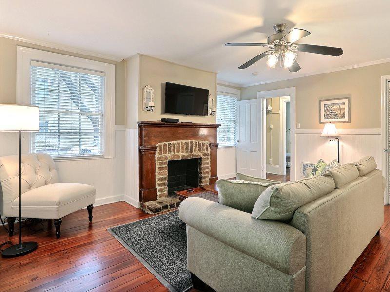 123 W Park Ave, Savannah, GA 31401