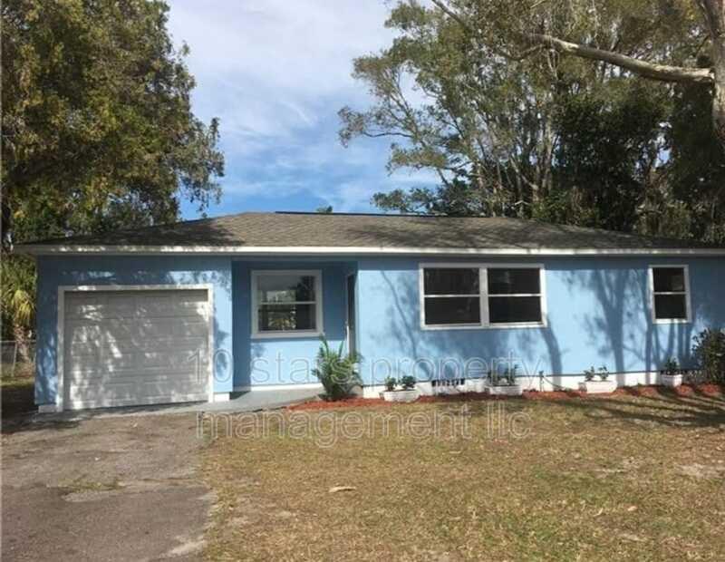 1328 Woodbine St, Clearwater, FL 33755