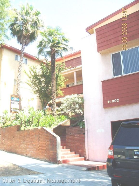 11002 Ophir Dr #A, Los Angeles, CA 90024