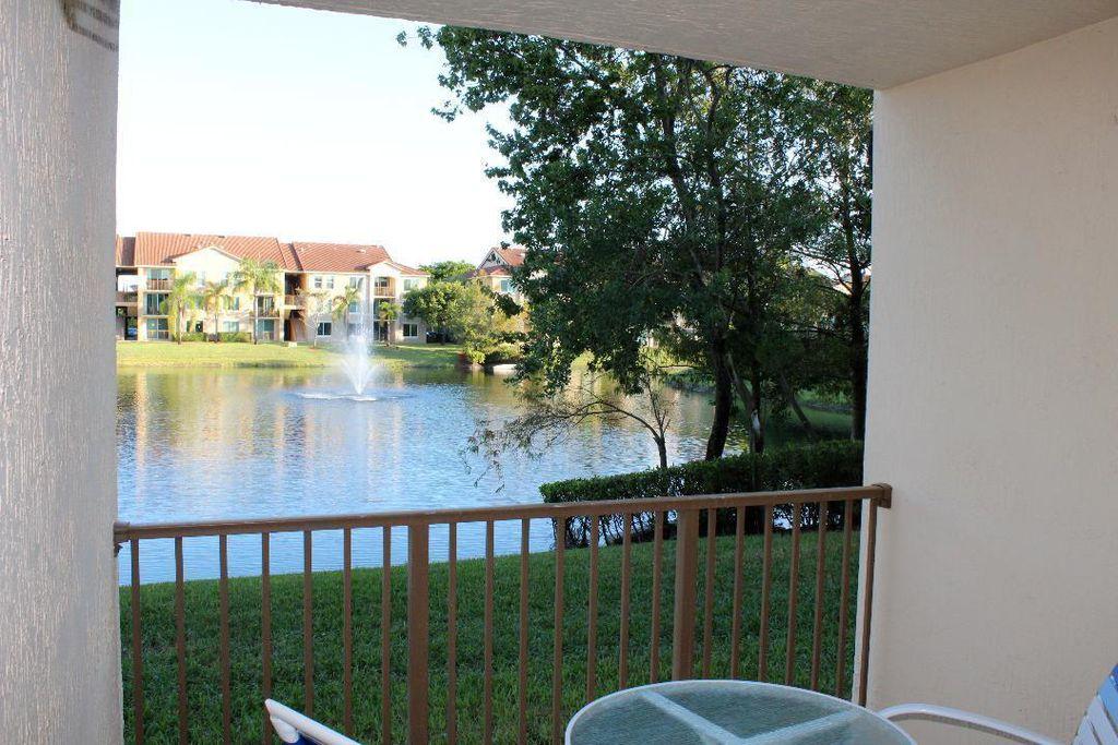 808 Villa Cir #808, Boynton Beach, FL 33435