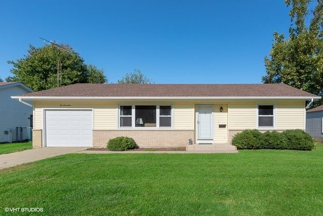 1017 Hampton Ct, Mchenry, IL 60050