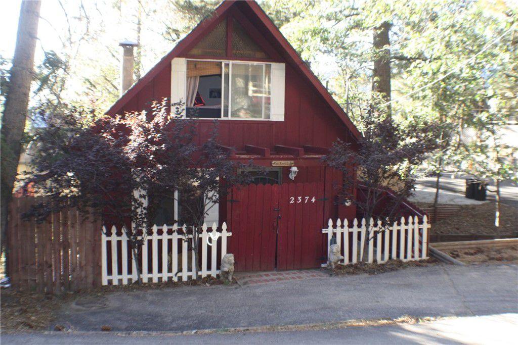 2374 Ridge Rd, Arrowbear Lake, CA 92382