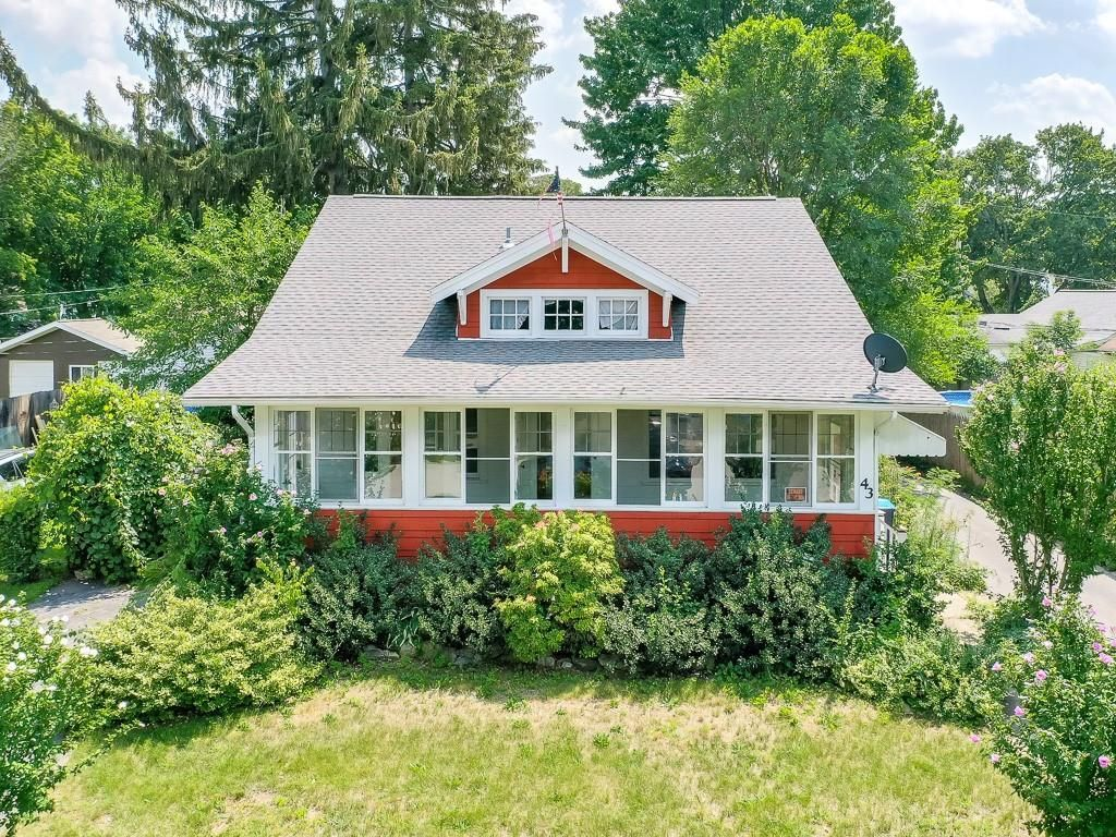 43 West Pkwy, Rochester, NY 14616