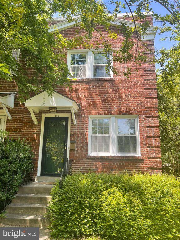 426 E Nelson Ave, Alexandria, VA 22301