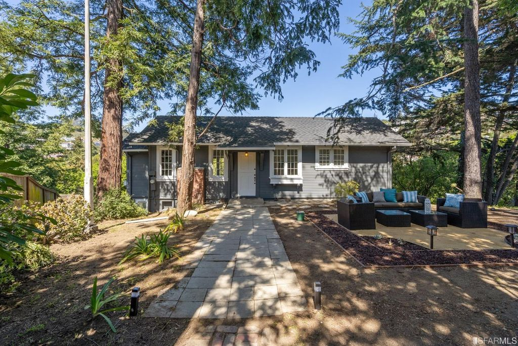52 Glenwood Glade, Oakland, CA 94611