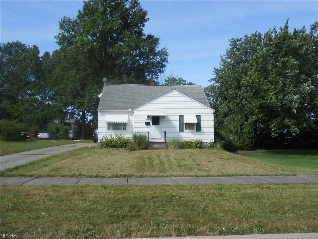 1532 E 291st St, Wickliffe, OH 44092