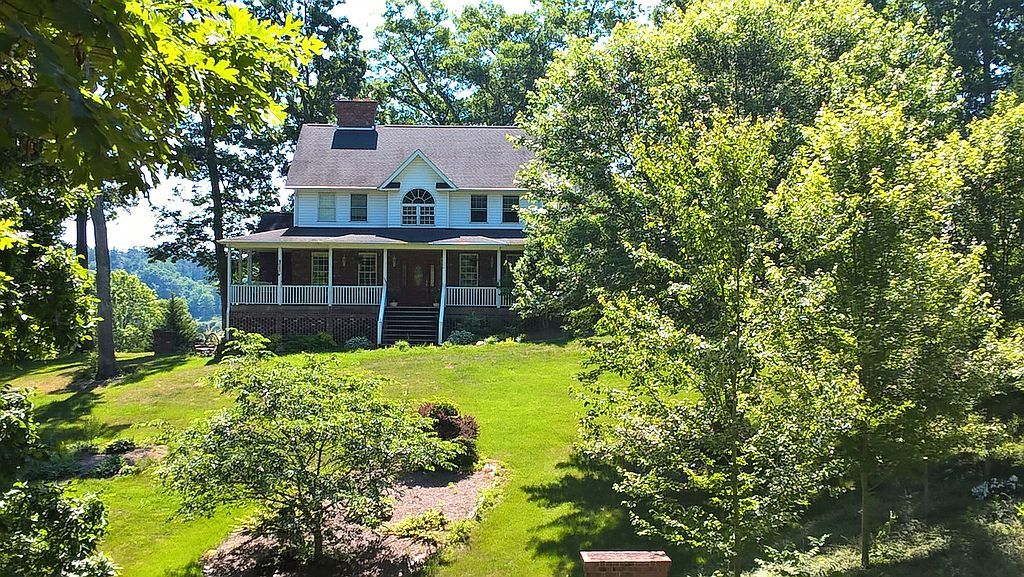 48 Sherry Ln, Leicester, NC 28748