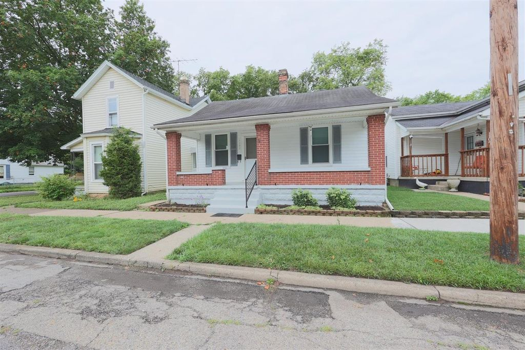 1102 Hughes St, Middletown, OH 45042