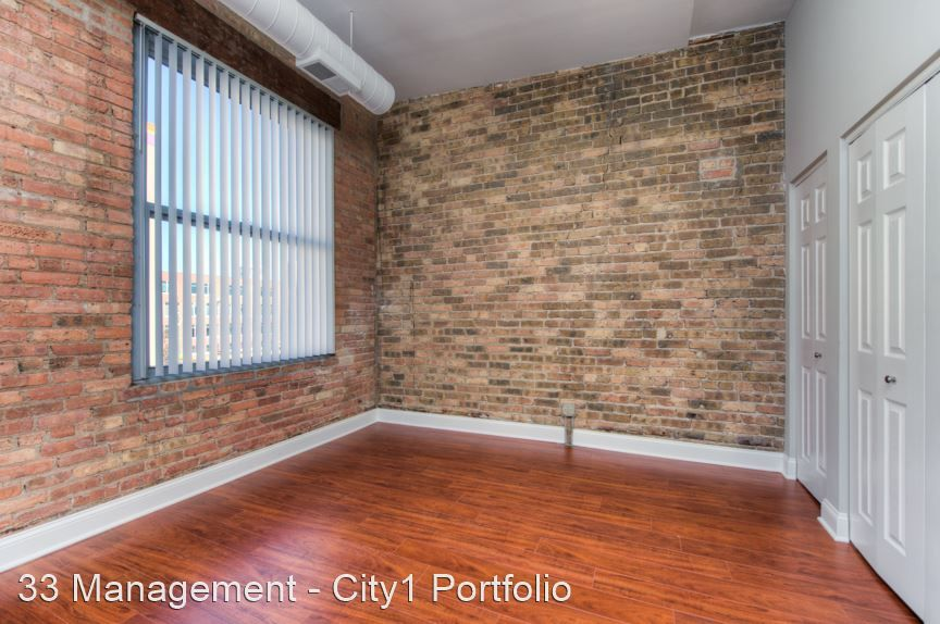 359 W Chicago Ave #2N, Chicago, IL 60654
